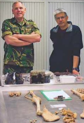ABOVE: Lieutenant Geert Jonker, Commanding Officer of the Royal Netherlands Army Recovery & Identification Unit, and Dilip Sarkar at the Soesterberg laboratory in May 2016.